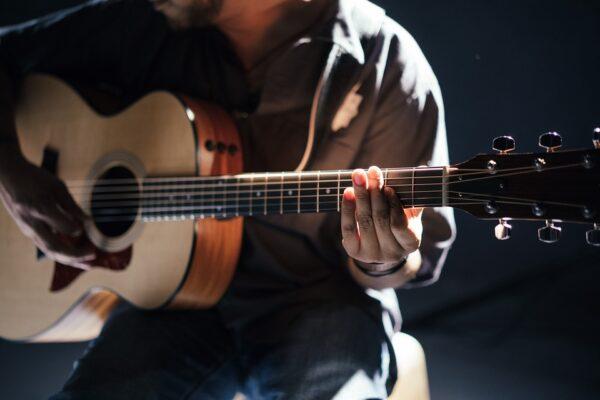 Clases de Guitarra - VR Music Academy- Academia de Música